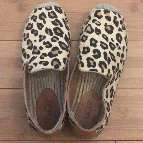 fc0fd8ef212 Ugg Australia authentic leopard print loafers